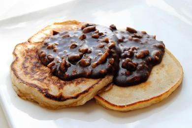 Рецепт Банановые блины с ореховым сиропом