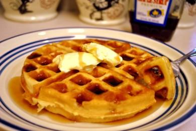 Рецепт Вафли с кленовым сиропом — рецепт для вафельницы