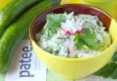 Весенний салат из редиса со свежим огурцом