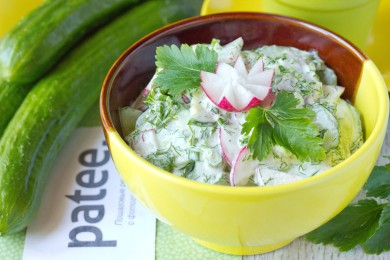 Рецепт Весенний салат из редиса со свежим огурцом