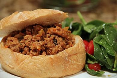 Рецепт Бутерброды с индейкой и грибами