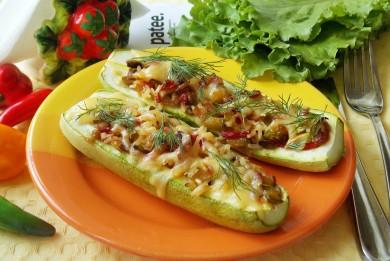 Рецепт Кабачки фаршированные овощами, рисом и грибами