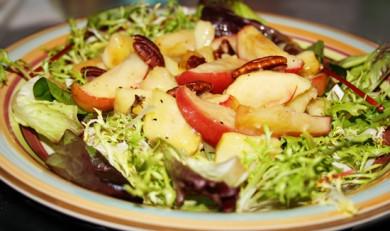 Рецепт Салат с жареным пастернаком и яблоками