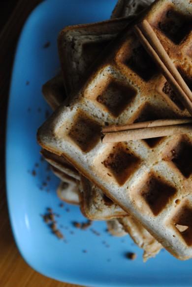Рецепт Вафли с коричневым сахаром и корицей — рецепт для вафельницы