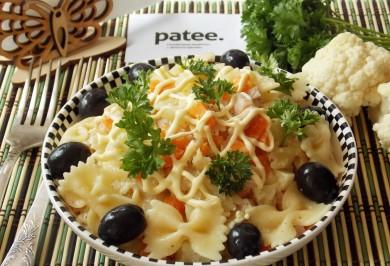 Рецепт Салат с фарфалле, цветной капустой и ветчиной