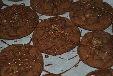 Рецепт Шоколадное печенье с орехами и глазурью