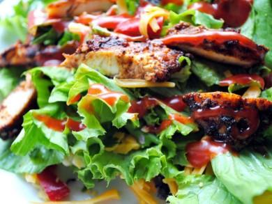Рецепт Салат с курицей и овощами