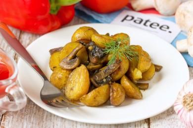 Рецепт Ароматный молодой картофель с шампиньонами