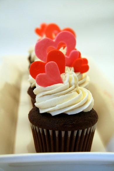 Рецепт Шоколадные кексы с ванильным кремом
