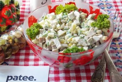 Рецепт Салат с отварным языком и зеленым горошком