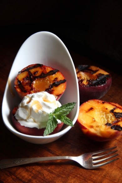 Рецепт Жареные персики с медовым маслом