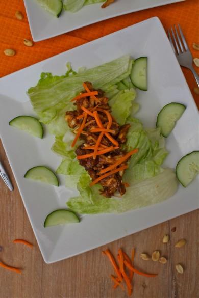 Рецепт Куриный салат с арахисом и овощами