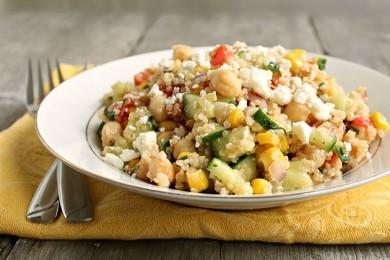 Рецепт Летний салат с киноа и овощами