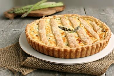 Рецепт Тарт со спаржей и козьим сыром