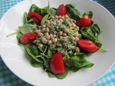 Рецепт Салат из нута со шпинатом