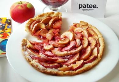 Рецепт Песочный пирог с яблоками и малиновым вареньем