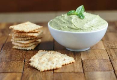 Рецепт Хумус с авокадо и базиликом