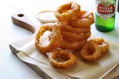Рецепт Луковые кольца с пряным соусом