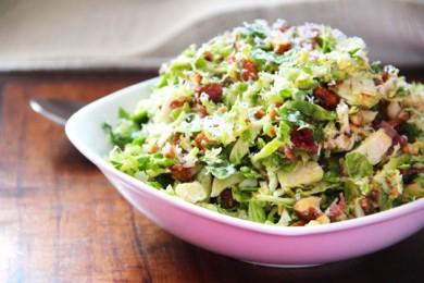 Рецепт Салат из брюссельской капусты с беконом