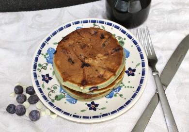 Рецепт Черничные блины с белым шоколадом