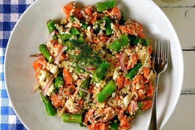 Рецепт Салат из кускуса с лососем и спаржей