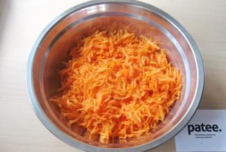 Перец с морковью в томатном соусе - приготовление