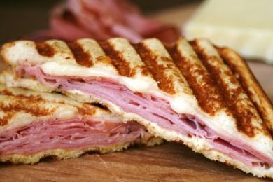 Рецепт Панини с сыром и ветчиной
