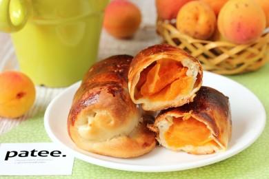 Рецепт Пирожки из дрожжевого теста с абрикосами