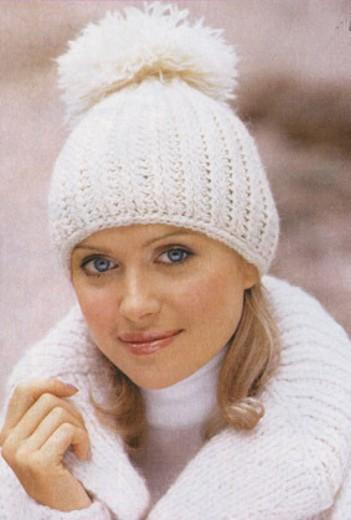 Прекрасная шапка вяжется спицами просто и подойдет для носки в. Вяжем зимнюю шапку с помпоном