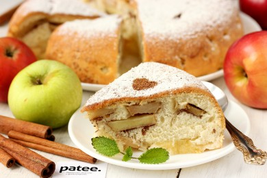 Рецепт Шарлотка с яблоками и корицей в мультиварке — рецепт для мультиварки