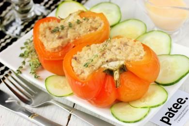 Рецепт Запечённый перец, фаршированный курицей и кускусом