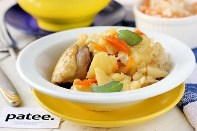 Рецепт Курица, тушеная с квашеной капустой и картофелем в мультиварке — рецепт для мультиварки