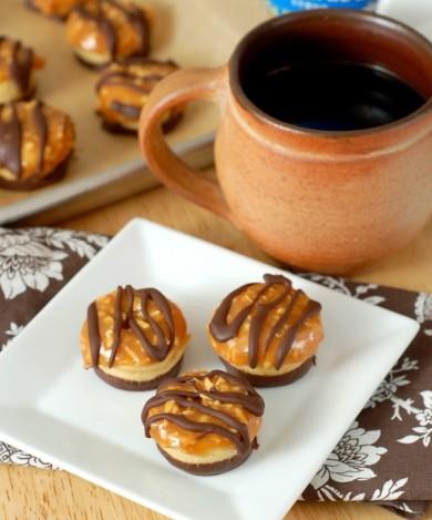 Рецепт Пончики с карамелью и шоколадом