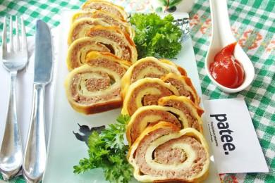 Рецепт Яичный рулет с мясным фаршем