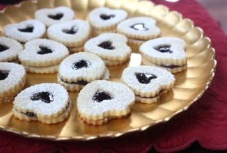 Миндальное печенье с джемом - приготовление