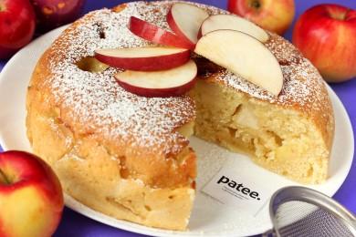Рецепт Сметанный пирог с яблоками в мультиварке — рецепт для мультиварки