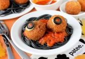 Крокеты из креветок со спагетти на Хэллоуин