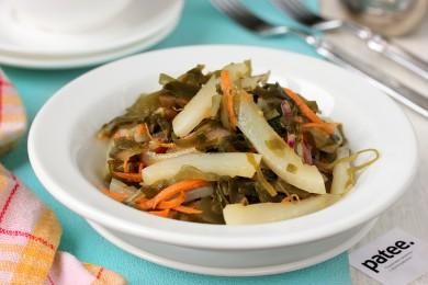 Рецепт Салат с кальмарами и морской капустой