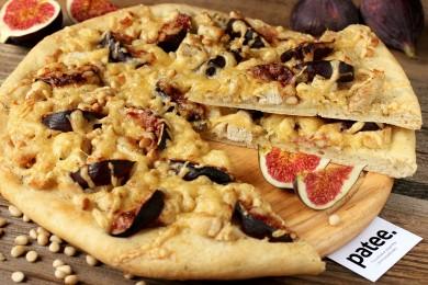 Рецепт Пицца с курицей, инжиром и кедровыми орешками