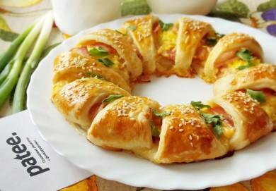 Рецепт Слоеный пирог с сыром и беконом