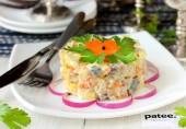Салат с солёной скумбрией и овощами