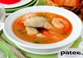 Рыбный суп из судака с креветками и помидорами