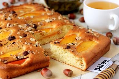 Рецепт Пирог с хурмой и фундуком