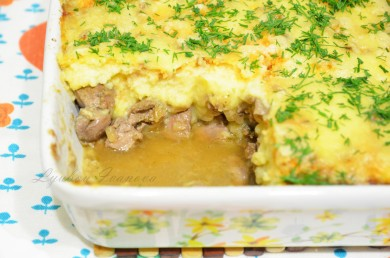 Рецепт Картофельная запеканка с печёнкой, тушенной в белом вине, и орехами