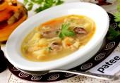 Суп с кроличьими потрошками и лапшой