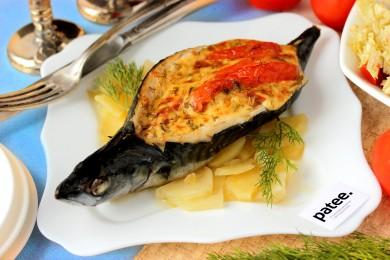 Рецепт Скумбрия, фаршированная сыром и помидорами
