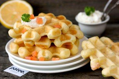 Рецепт Закусочные вафли с солёной сёмгой — рецепт для вафельницы