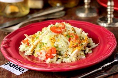 Рецепт Салат из пекинской капусты с курицей и горчичной заправкой