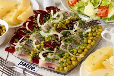 Рецепт Закуска из солёной сельди со свёклой и горошком