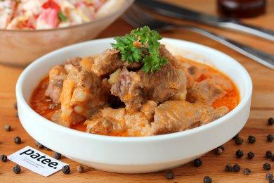 Рецепт Свинина в сметанно-томатном соусе в мультиварке — рецепт для мультиварки